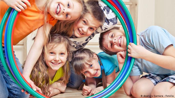 En Alemania, hay más niños afectados por la V4QN1 K0*v!D  que por el virus